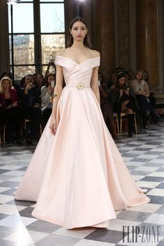 Georges Hobeika Spring-summer 2016 - Couture - http://www.flip-zone.com/Georges-Hobeika-5990