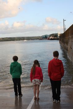 Kids, Sea, Holiday, Padstow - lovely honest post on parenting through the school summer holidays from Mum of Three World