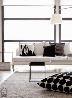 Check Out 30 Timeless Minimalist Living Room Design Ideas. A minimal living room is an absolute must for any modern home. Home Living Room, Living Room Designs, Living Room Decor, Living Spaces, Modern Minimalist Living Room, Minimalist Home, Minimalist Interior, Scandi Living, Scandinavian Living