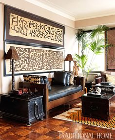 Carmen Marc Valvo's New York Apartment and Bridgehampton Garden Framed kuba cloth and pillows in this global well-traveled style room. Designer Carmen Marc Valvo's New York Apartment and Bridgehampton Garden African Living Rooms, African Room, Deco Ethnic Chic, Ethnic Decor, Home Living, Living Room Decor, Decor Room, Dining Room, Wall Decor