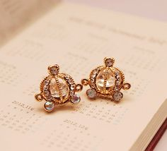 Sparkly Cinderella Carriage Fashion Earrings
