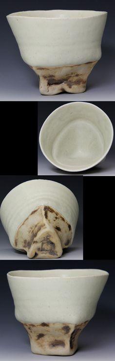 木村 年克  1972 京都府生まれ 1996 京都精華大学美術学部陶芸分野卒業  やしの実シリーズで器を制作されています  休みの取れない時の私に京都百万遍で買って来てくれた杯です  (7.7×H5.8)