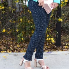 Target polka dot jeans. Size 6 Gently worn Target / Merona dark denim polka dot jeans in Fit 3. Ankle length Merona Jeans Ankle & Cropped