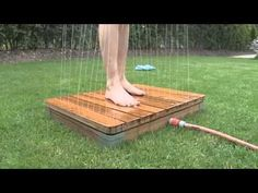 The unique garden shower Source by Automatic Pool Cover, Floating Deck, Garden Shower, Unique Gardens, Container Gardening, Tank Container, Garden Bridge, Outdoor Gardens, Home And Garden