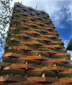 ⬇ Awesome #wood façade!  #Medellin - #Colombia