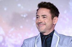 El actor ha sumado entre junio de 2012 y junio de 2013, un total de 75 millones. Robert Downey Jr. es el  actor mejor pagado del mundo, según la lista publicada por la revista Forbes.  Los éxitos de la trilogía Iron Man, cuya tercera entrega estrenada este año ha superado los 1.200 millones en taquilla, y de Los Vengadores, la tercera