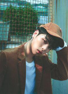iKON's Junhoe in Dazed and Confused Korea September 2018 Ikon Member, Koo Jun Hoe, Ikon Kpop, Kim Jinhwan, Ikon Debut, Ikon Wallpaper, Hyun Suk, Yg Entertainment, Bands