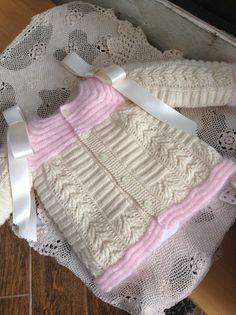 Baby Knitting Patterns, Baby Sweater Knitting Pattern, Baby Girl Sweaters, Crochet Baby Clothes, Baby Wearing, Baby Dress, Blanket, Kids, Kid Models