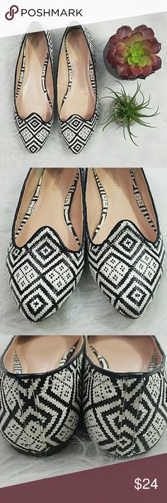 Sole Society flats Black and off white, size 8B flats from Sole Society. Sole Society Shoes Flats & Loafers