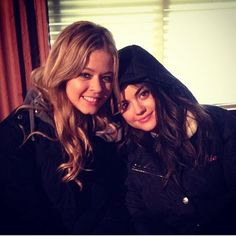 Another cute pic of Sasha and Lucy! #PLL