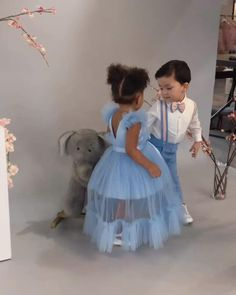 Baby Girl Dresses Diy, Baby Summer Dresses, Toddler Flower Girl Dresses, Little Girl Dresses, Girls Fashion Clothes, Kids Outfits Girls, Kids Fashion, Kids Dress Wear, Kids Gown