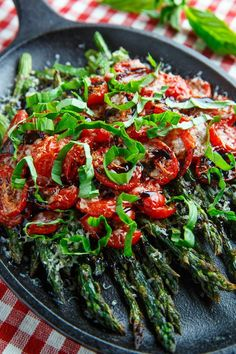 Roasted Asparagus With Balsamic Butter Sauce Recipe . Roasted Asparagus With Vinegar Recipe - All Recipes . Roasted Asparagus With Balsamic Vinegar. Home and Family Side Dish Recipes, Vegetable Recipes, Vegetarian Recipes, Cooking Recipes, Healthy Recipes, Asparagus Tomato Recipe, Parmesan Asparagus, Vegan Parmesan, Antipasto