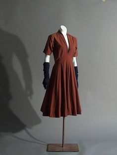McCardell Cotton Dress, 1948 |  at Mount Mary University, photo Danielle Selb @ Flickr - Photo Sharing!