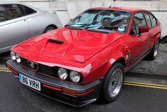 Alfa Romeo GTV6 3 litres Alfa Romeo Gtv6, Alfa Romeo Giulia, Alfa Romeo Cars, Alpha Romeo, Alfa Gtv, Gt V, Alfa Romeo Spider, Trucks And Girls, Sexy Cars