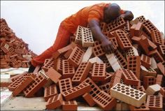 Barthélemy Toguo, Camerun. Torture in Guantanamo, 2006. The Unhomely 2nd International Biennal of Contemporary Art of Seville, Spain.