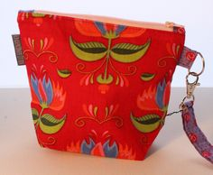 New to UndercoverOtterYarn on Etsy: Flowers - Small Project Bag - Ready to Ship (17.50 EUR)