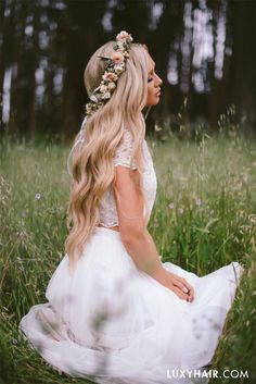 How beautiful is this flower crown? It's the perfect hairstyle for any wedding this season. The lovely @stephanie_danielle is wearing her Dirty Blonde #luxyhairextensions in this photo <3