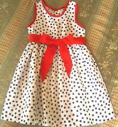 Girls Frock Design, Baby Dress Design, Baby Birthday Dress, Birthday Dresses, Cotton Frocks, Frocks For Girls, Hijab Chic, Pinafore Dress, Kurta Designs