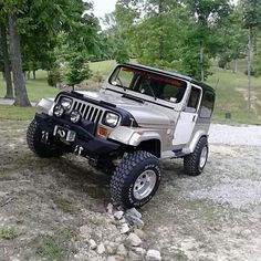 Which Survival Vehicles Should You Own? Jeep Gear, Jeep Wj, Jeep Truck, Trailers, Jeep Images, Badass Jeep, 2006 Jeep Wrangler, Top Luxury Cars, Cool Jeeps