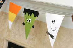 Paper Halloween Banner.  Easy, fun for the kids to make and super cute.