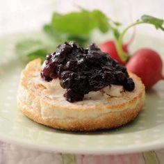 イングリッシュマフィンのクリームチーズ&ジャム