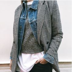 Layers = major key for colder temps. Visit Daily Dress Me when the seasons start to change and you don't know what to wear: dailydressme.com