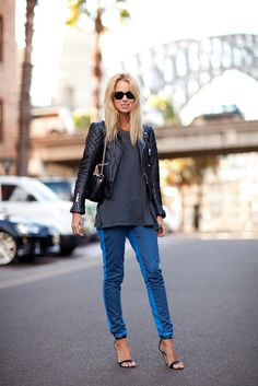 Shrunken leather jacket, long T, and skinnies- style perfection.