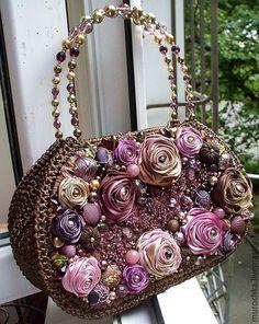"Женские сумки ручной работы. Сумочка ""Цвета любви"". Crochet Flower Patterns, Crochet Motif, Handmade Handbags, Handmade Bags, Flower Bag, Boutique Hair Bows, Ribbon Work, Silk Ribbon Embroidery, Unique Bags"