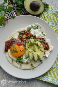 Helathy Food, Frijoles Refritos, Mexican Street Food, Deli Food, Mexican Food Recipes, Ethnic Recipes, Cooking Recipes, Healthy Recipes, Breakfast Buffet