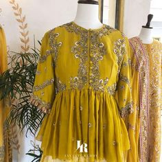 They are excited to showcase Jayanti Reddy collection Noor at Lakmefashionwk. Stunning designer lehenga and olive green color crop top. peplum top with hand embroidery work. Indian Wedding Outfits, Pakistani Outfits, Indian Outfits, Saree Blouse Neck Designs, Blouse Designs, Lehenga Choli Wedding, Hand Embroidery Dress, Indian Designer Outfits, Designer Dresses