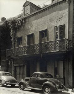 Home to Tennessee Williams in the late 1930's.   722 Toulouse Street New Orleans,   ca. 1937.