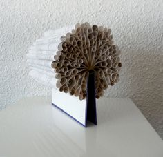 Book Art Sculpture Tree of Knowledge par abadova sur Etsy, $65,00                                                                                                                                                      Plus
