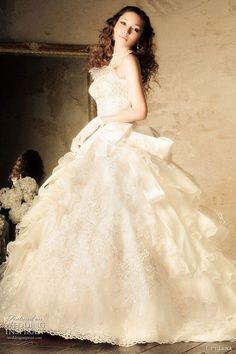 L et Lena romantic white ball gown wedding dress modelled by Fujii Lena 藤井リナ Rina Fujii