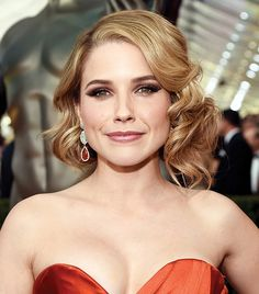 Sophia Bush's dramatic champagne smokey eye, mauve lip and curly asymmetric bob at the 2015 SAG Awards