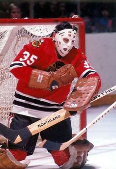 When you are the brother of the Phil Esposito it is easy to stay in a shadow. While it didn't hurt that Tony was a Goalie, there was no doubt th. Blackhawks Hockey, Hockey Goalie, Hockey Games, Chicago Blackhawks, Hockey Players, Ice Hockey, Hockey Logos, Nhl, Chicago Hockey