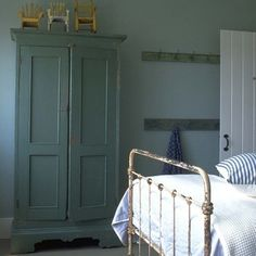 A Distressed Finish Or Naturally Iron Bed Should Not Be Confused With