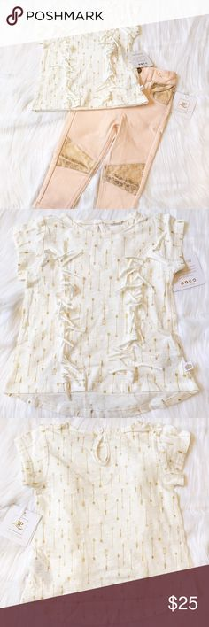 Boho Baby Top This is a NWT Baby Girl Fringe Top in an off white and gold print. It has a hi-lo hem with a little cutout at the back neck that buttons. Material is 100% cotton. Bundle it with the peach pants for a discount!⚜Reasonable Offers Only Please⚜ Rosie Pope Shirts & Tops Tees - Short Sleeve