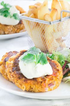 Salmon Fishcake recipe: Delicious, family-friendly salmon and sweet potato fishcakes. Perfect for a quick and healthy dinner. Salmon Fishcake Recipes, Salmon Recipes, Fish Recipes, Baby Food Recipes, Seafood Recipes, Vegetarian Recipes, Cooking Recipes, Healthy Recipes, Recipies