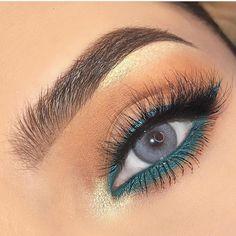 Stunning eye makeup for blue eyes