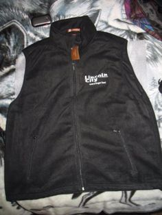 Black-Fleece-Vest-Lincoln-City-Central-Oregon-Coast-New-with-tags