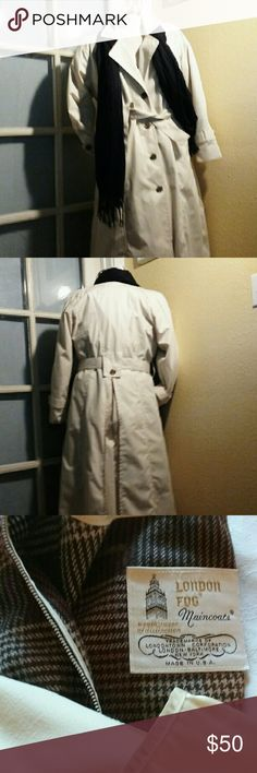 London Fog lined trenchcoat EUC 6P Very nice. Absolutely perfect, not one flaw. This coat is extremely versatile . Zip out thick liner that extends down and buttoned at wrist for cold winter and under the zip out the coat is fully lined again, for cool fall or spring and depending u where you live, great for those summer down pours. Jackets & Coats Trench Coats