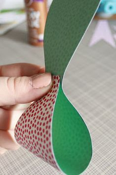 A couple of weeks ago I shared a tutorial for crepe paper flowers and today you'll see another easy gift topper idea: a paper bow. I kn...