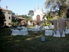 Ricevimento di nozze all'aperto