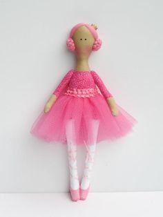 Ballerina doll bright pink fabric doll cloth #ballerina #doll #ballerinadoll #baletdancer #dancerdoll #pinkdoll #fabricdoll #ragdoll #clothdoll #HappyDollsByLesya
