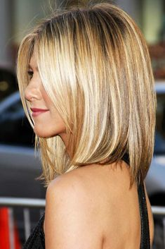 The Hottest Jennifer Aniston Hair Cuts And Styles: Reveal The Secrets Of Perfect. - - The Hottest Jennifer Aniston Hair Cuts And Styles: Reveal The Secrets Of Perfect Hair Looks ★ Lip Care D. Bangs With Medium Hair, Medium Hair Cuts, Medium Hair Styles, Short Hair Styles, Medium Hairstyles With Bangs, Shoulder Length Hair With Bangs, Long Layers With Bangs, Braid Styles, Haircuts For Long Hair