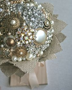 BOUQUET STYLE: bronze, gold, ivory, and silver broach bouquet with burlap collar #jewelry_bouquet #nontraditional_bouquet