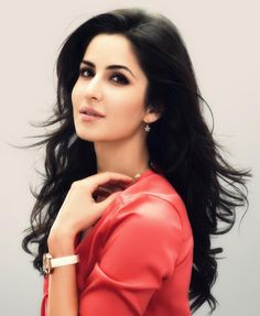 While shooting in Mumbai for her upcoming film Fitoor, Katrina Kaif almost fell from a horse. For more updates please visit #getmovieinfo