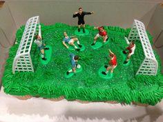 Soccer cupcake cake www.facebook.com/day.dream.cupcakes