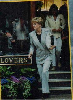 Princess Diana shopping 1993