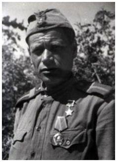 Рядовой Роман Смищук в бою 4 июня 1944 года в районе Моймешти (Румыния) когда рота оказалась в окружении и заняла круговую оборону, уничтожил гранатами и бутылками с горючей смесью КС 6 вражеских средних танков, вынудив их отступить, что позволило воинам прорвать вражеское кольцо и присоединиться к своей части.